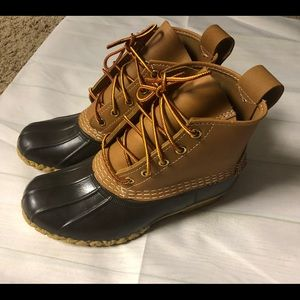 L.L.Bean Boots women's size 5..they fit like a 6